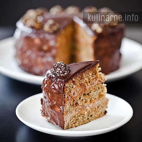 Tort migdałowy z kremem czekoladowym