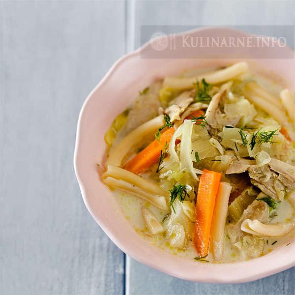 Zupa wiosenna z młodej kapusty