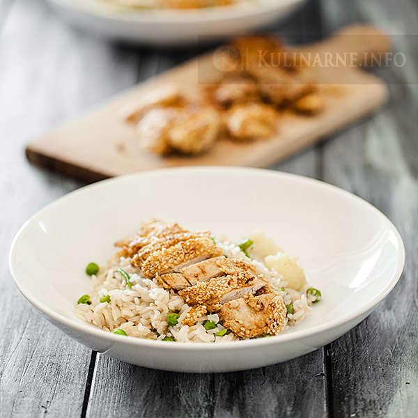 Kurczak w sezamie z ryżem