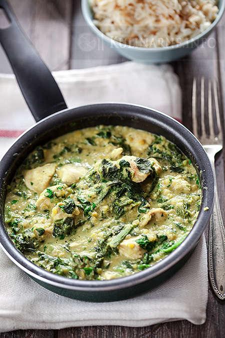 Kurczak z curry, szpinakiem i soczewicą