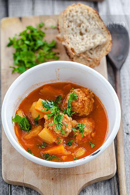 Zupa marokańska z pulpetami