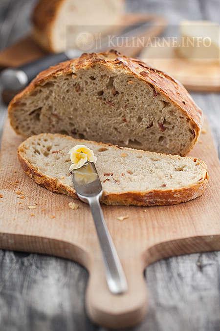 Chleb pszenny z boczkiem