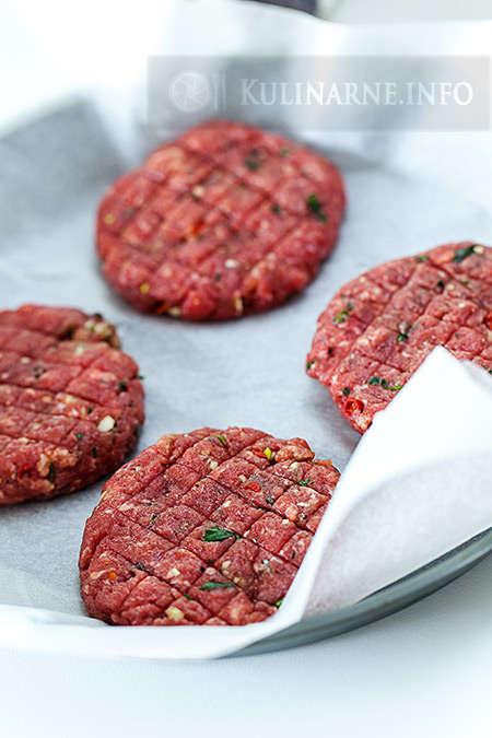 Cheeseburgery z pesto z rukoli