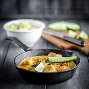 Curry z kurczaka z młodymi ziemniakami