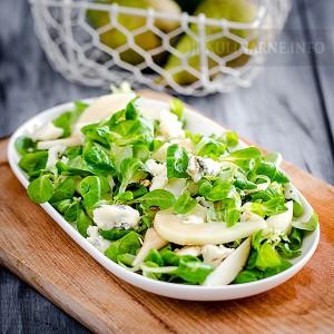 Sałatka z gruszką, roszponką i gorgonzolą