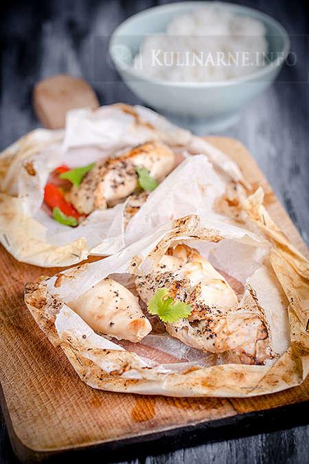 Soczysty kurczak pieczony w papilotach