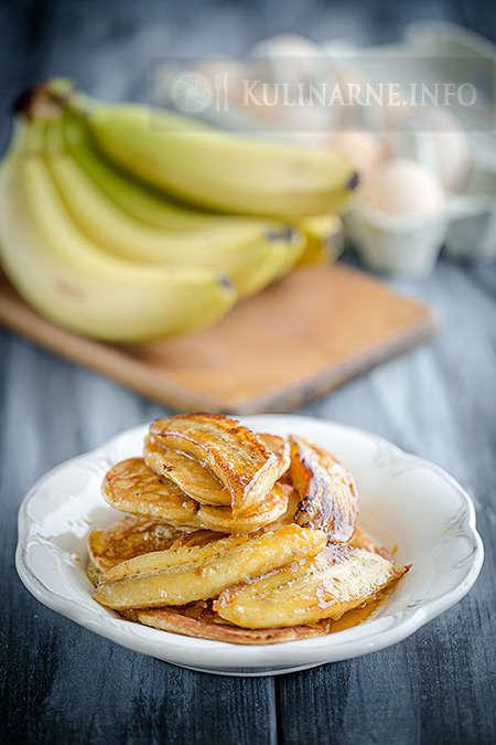 Naleśniki amerykańskie z karmelizowanymi bananami