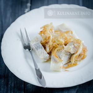 Śledzie w cebuli i oleju z pestek winogron