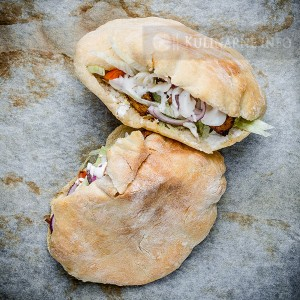 Domowy gyros w chlebku pita