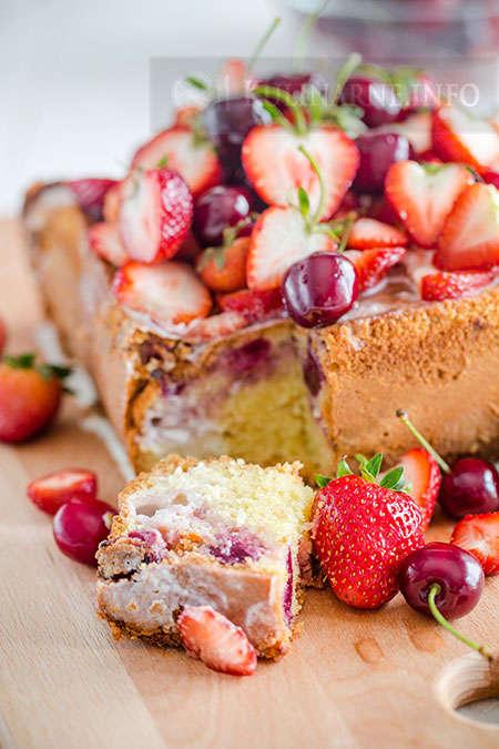 Proste Piaskowe Ciasto Z Truskawkami Przepisy Kulinarne Ze Zdjeciami