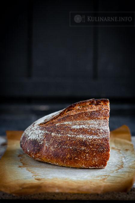 Chleb na zakwasie z sezamem
